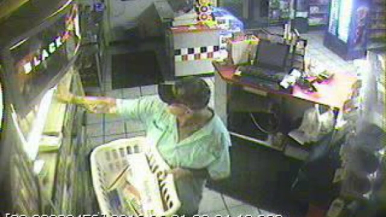 Man with camouflage hat wanted for robbery of Hanoverstore
