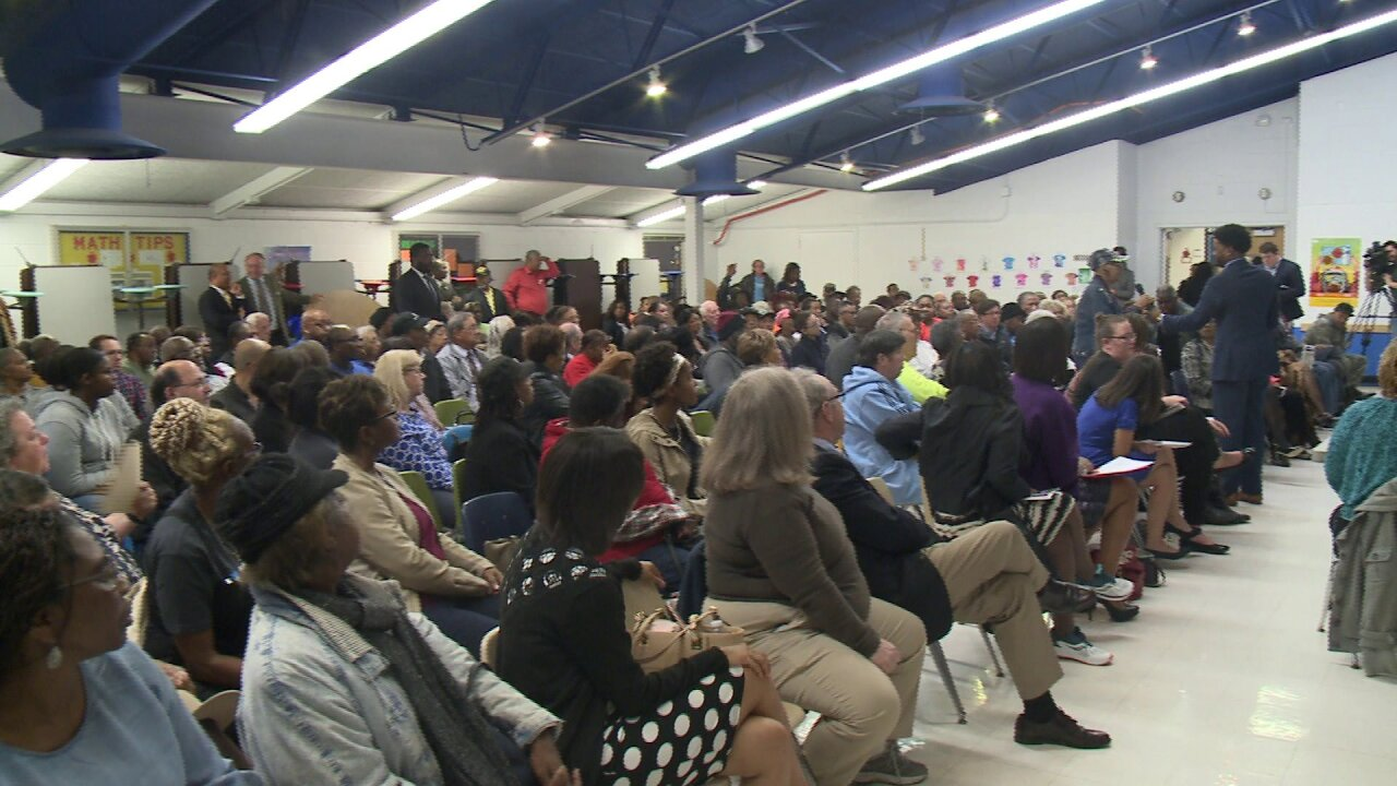 Citizens attend packed Hampton town hall meeting about tough topic of healthinsurance