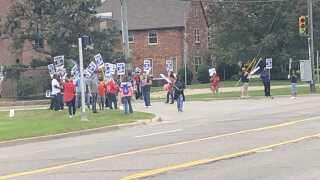 UAW Aramark maintenance workers go on strike
