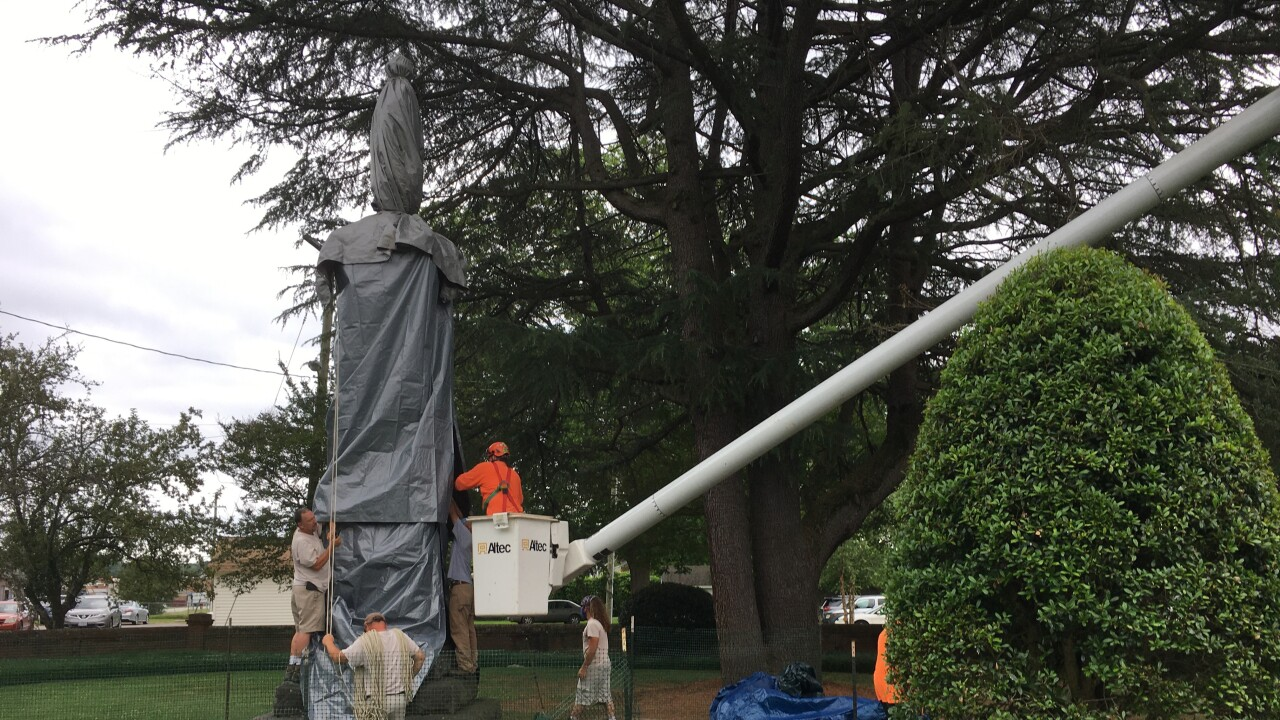 Newport News Confederate monument 2.jpg