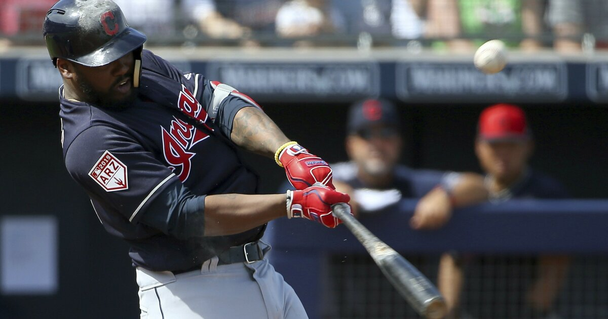 Hanley Ramirez chooses free agency after stint with Indians