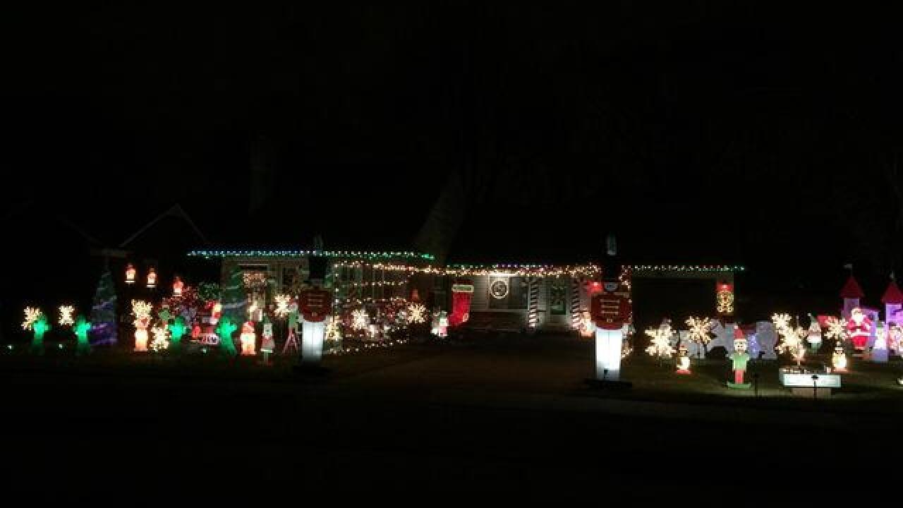 Christmas Light Displays Near Me.Amazing Holiday Light Displays Across Metro Detroit