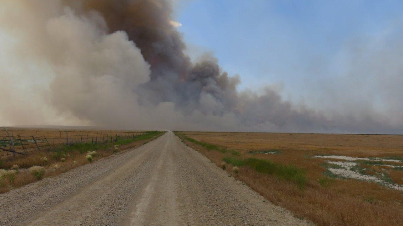 Lightning-caused brush fire grows to 8,100 acres near Utah-Idahoborder