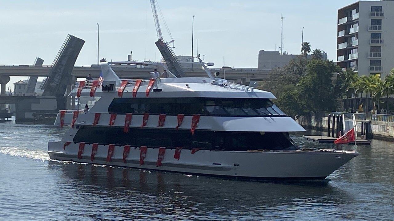 Bucs-Victory-Celebration-boats-arriving-WFTS-1.jpg