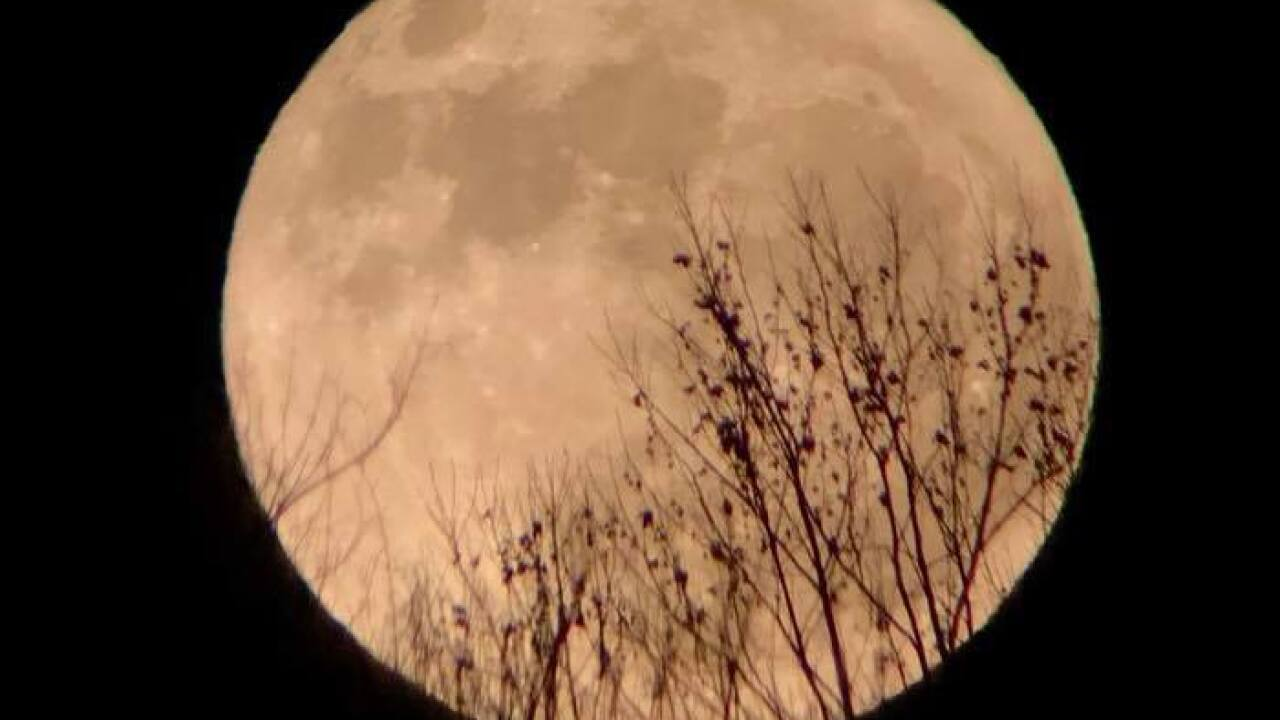 Super Frost Moon: Share your pics of only full supermoon of 2017