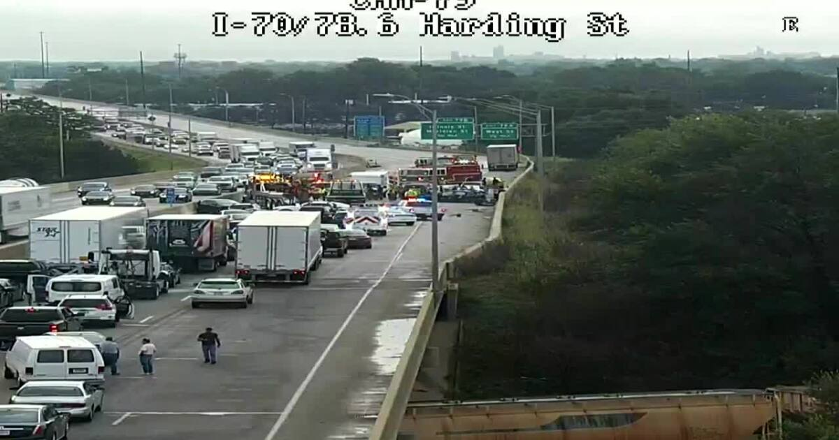 Multiple people injured in 9-vehicle crash on I-70 in Indy