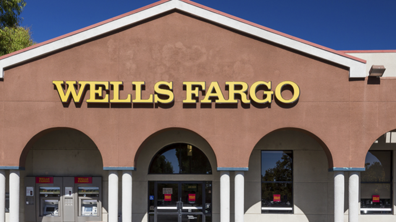 Wells Fargo shutting down 400 bank branches