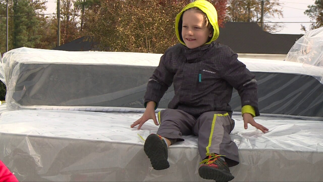 Bridging RVA group gives beds to 150kids