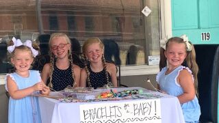 girls-selling-bracelets-01-ht-jt-190722_hpMain_4x3_992.jpg