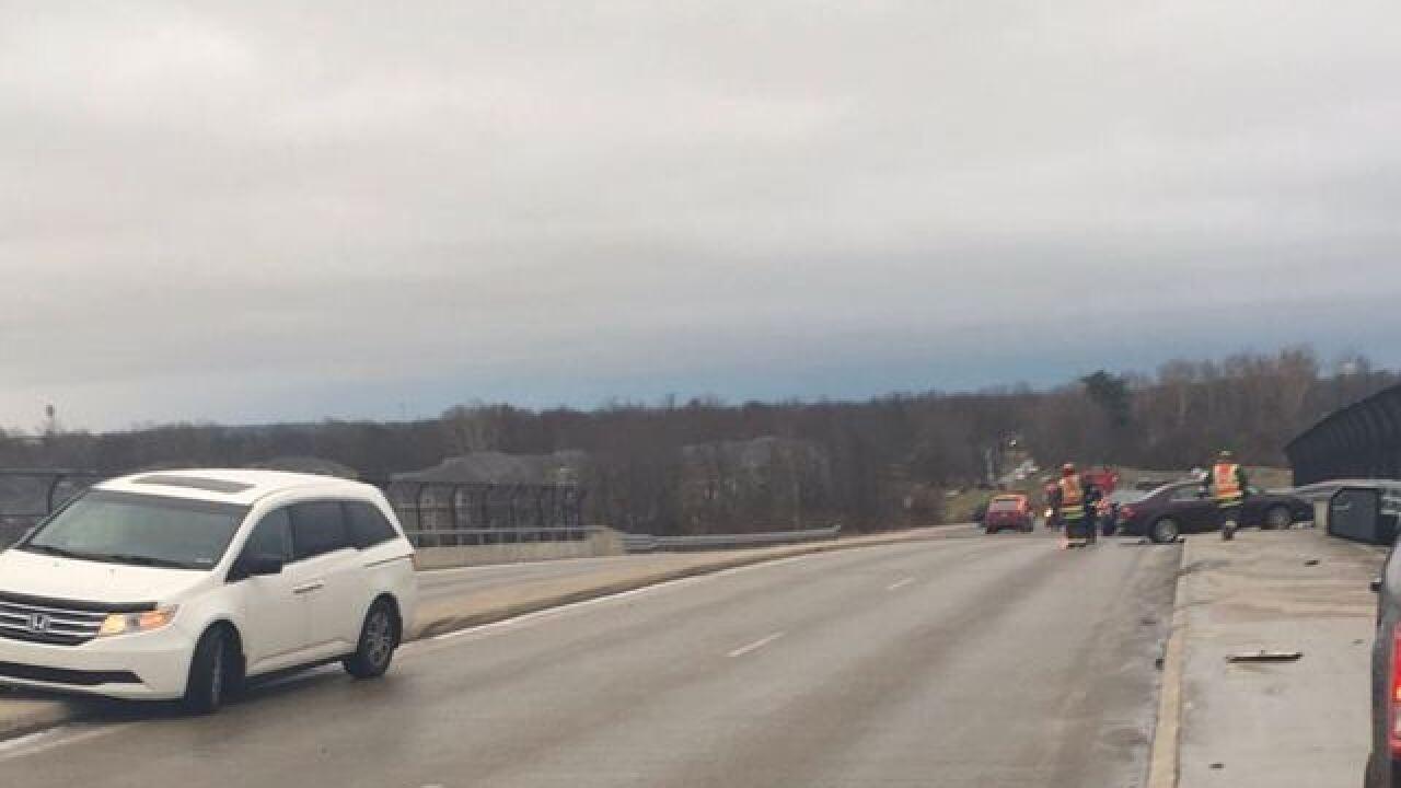 Bridge May Be Icy Is What Sign Said >> Icy Roads Cause 8 Vehicle Pileup On Avon Bridge