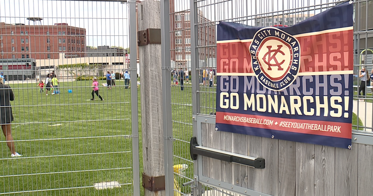 Kansas City Monarchs host fan fest as season opener approaches