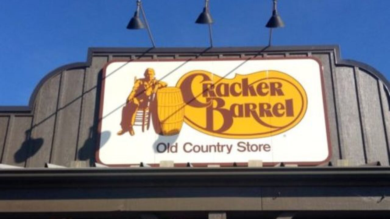 Cracker Barrel Opens First California Location Off I 15 In Victorville