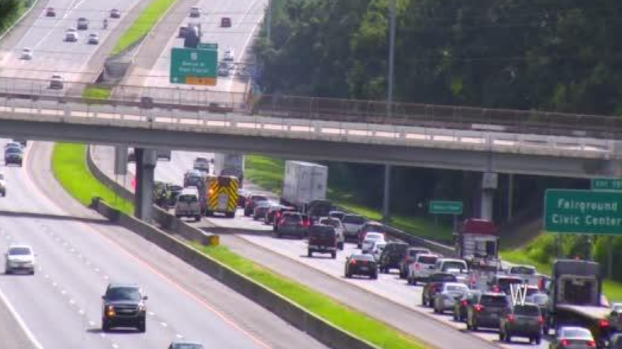 CLEARED: Crash with injuries blocks lane near Monroe Street exit on I-10
