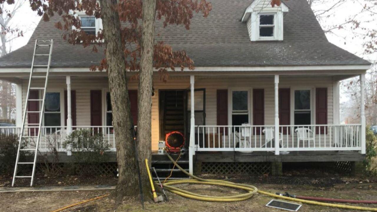 Chesterfield man dies in housefire