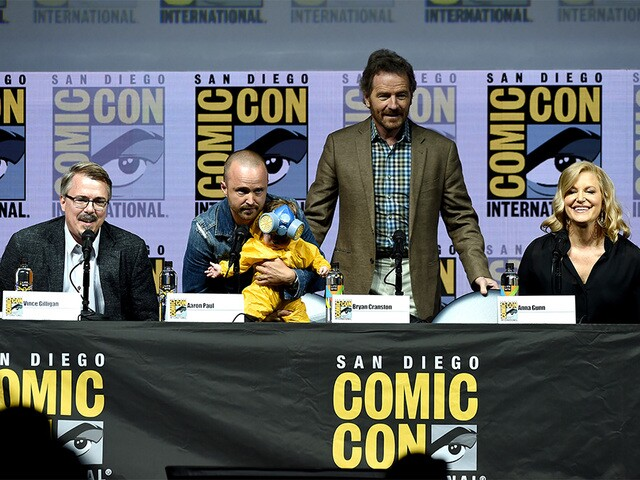 PHOTOS: Cast of 'Breaking Bad' reunites at Comic-Con 2018