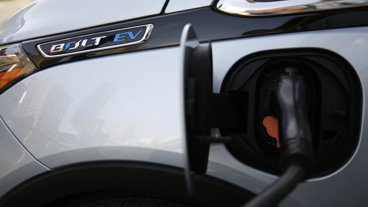 Thousands of electric car charging stations coming nationwide