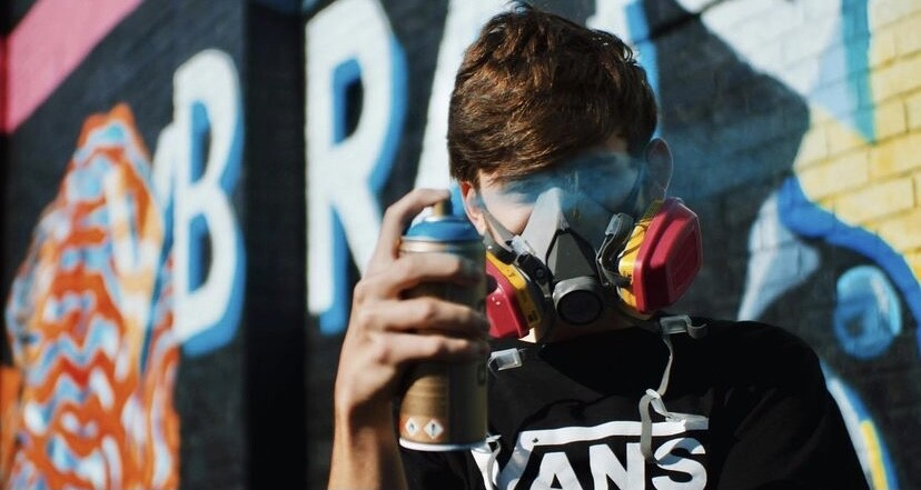 Speed painter and muralist, Evan Struck. Photo by Maury Page Photography