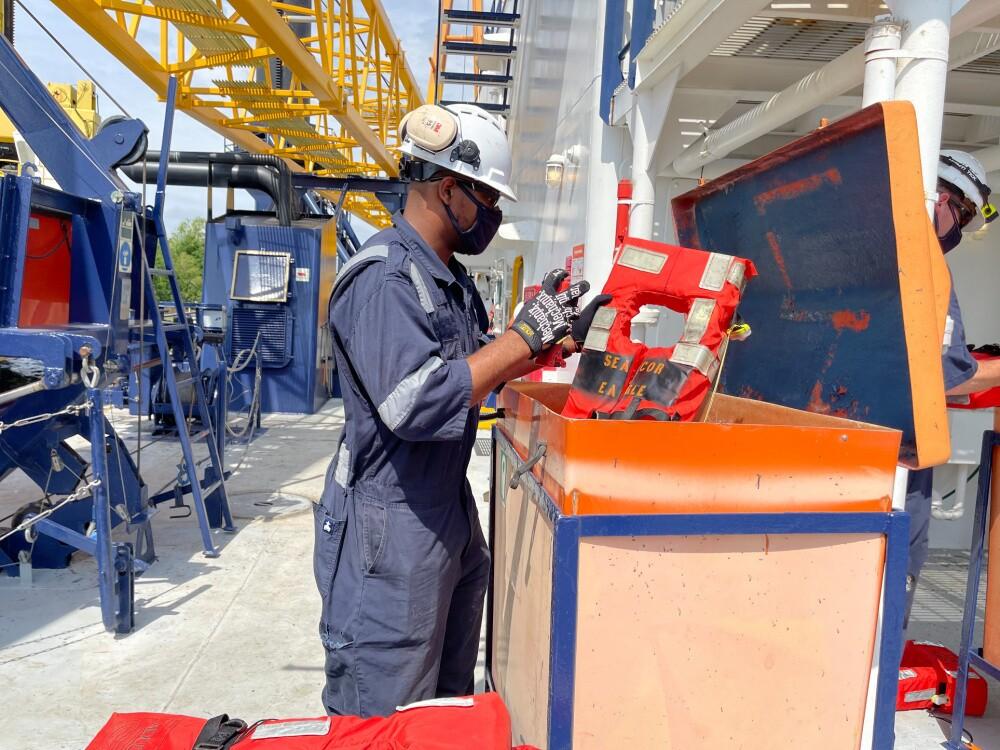 US Coast Guard inspects SEACOR Eagle after SEACOR Power response 7.jpg
