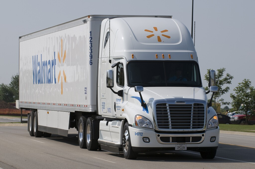 Photos: Walmart announces driver wage investment in Virginia, will raise salary to nearly $90,000