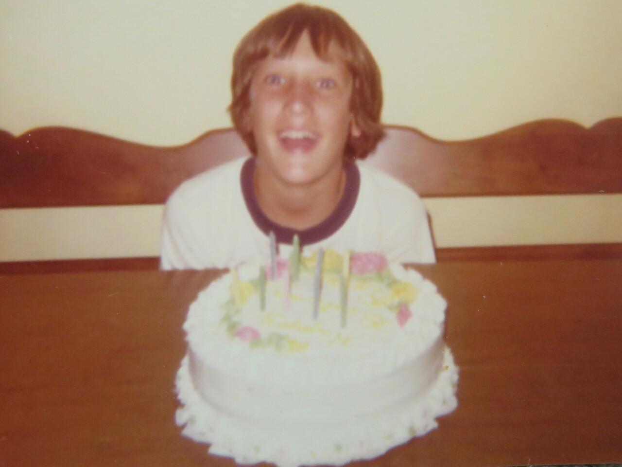 Scott_Noel_with_birthday_cake.jpg