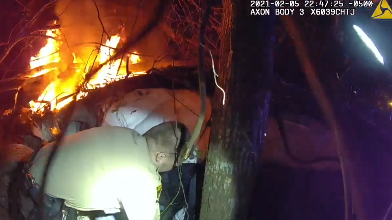 Video shows Thomas County deputies, Thomasville police officer rescue person from burning vehicle