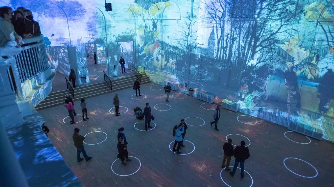 Immersive Van Gogh Chicago 3 - Photo Credit Michael Brosilow..jpg