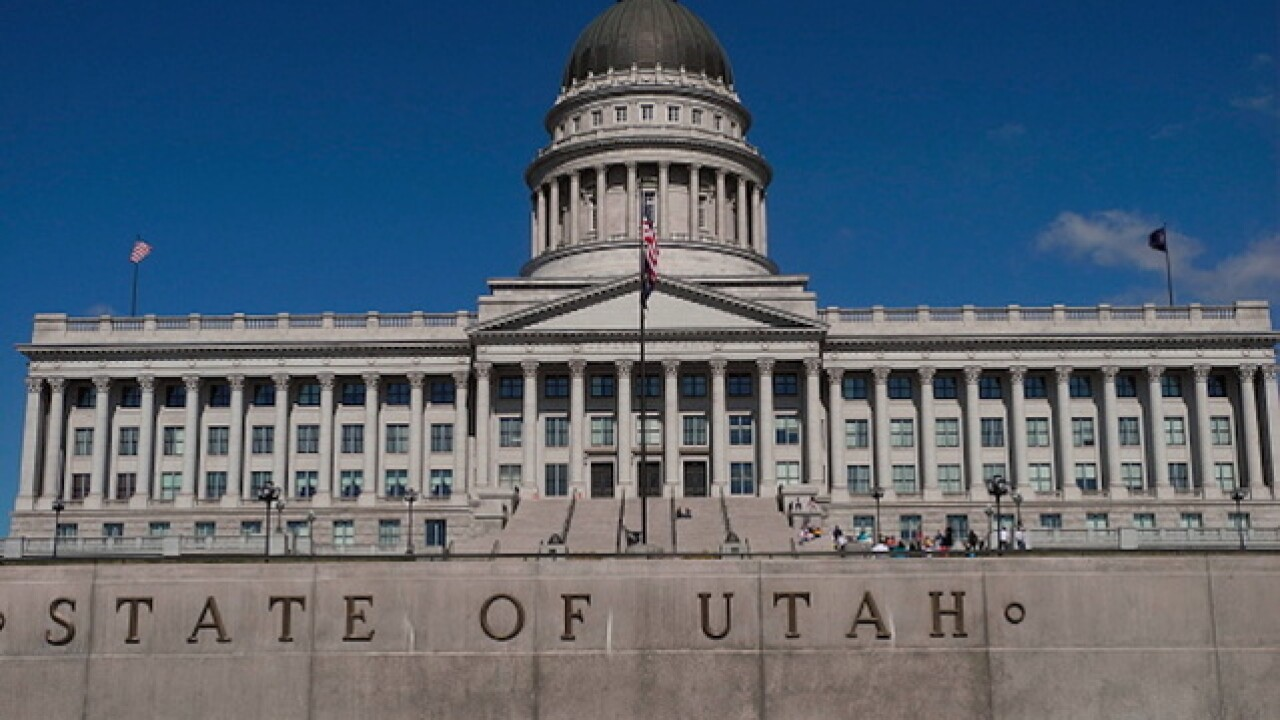 Moose running loose at Utah Capitol