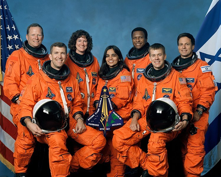 750px-Crew_of_STS-107,_official_photo.jpg