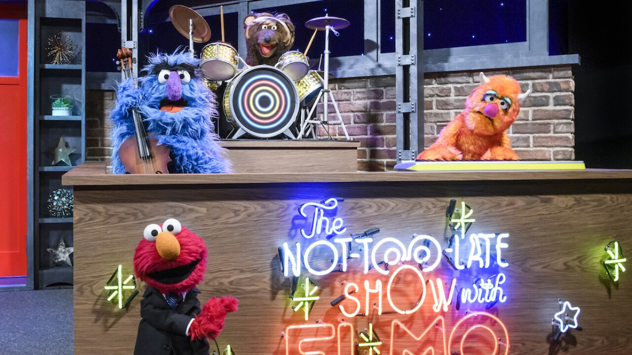 Elmo the Muppet readies for his own starry HBO talk show
