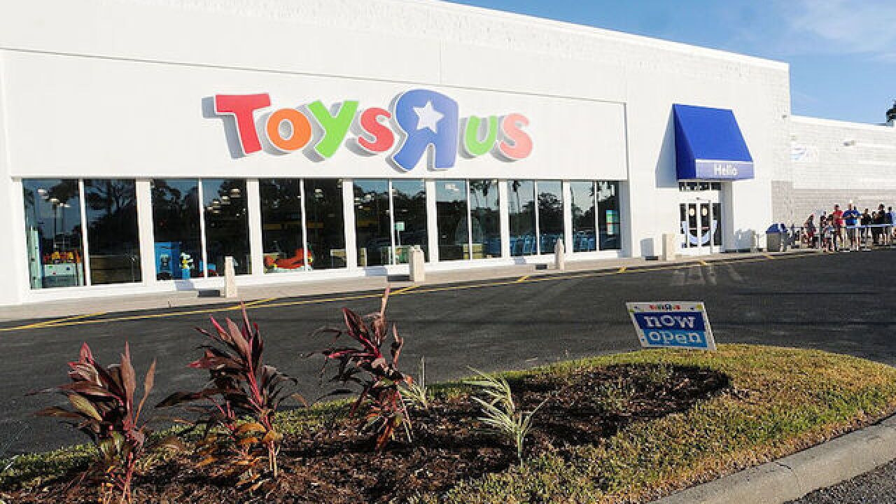 Toys R Us could file for bankruptcy just weeks before the holiday shopping season