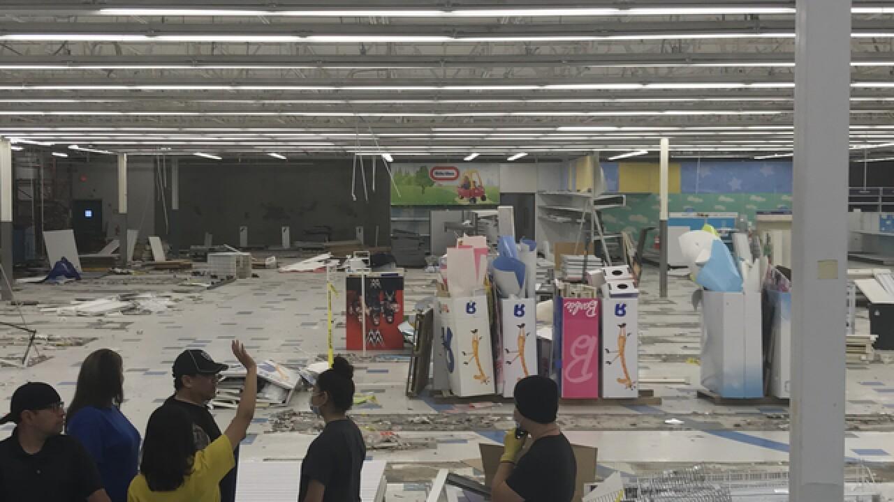 Escondido Toys 'R' Us employees bid farewell