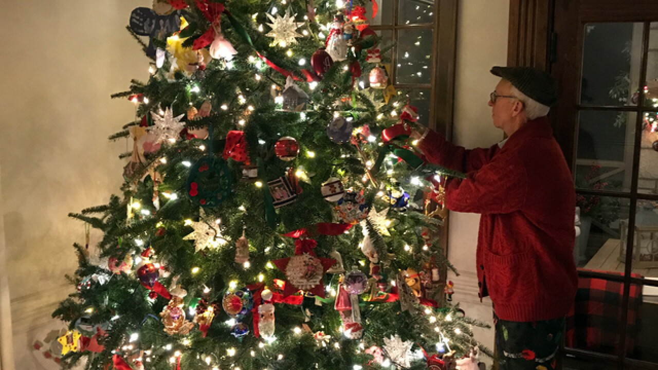 Holiday homes tour combines cheer with giving