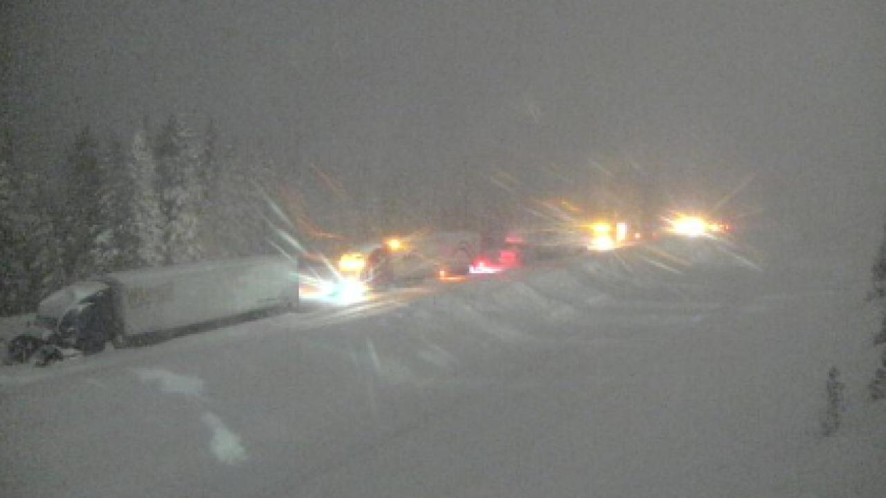 Snow on I-70 at Vail_Feb 7 2020