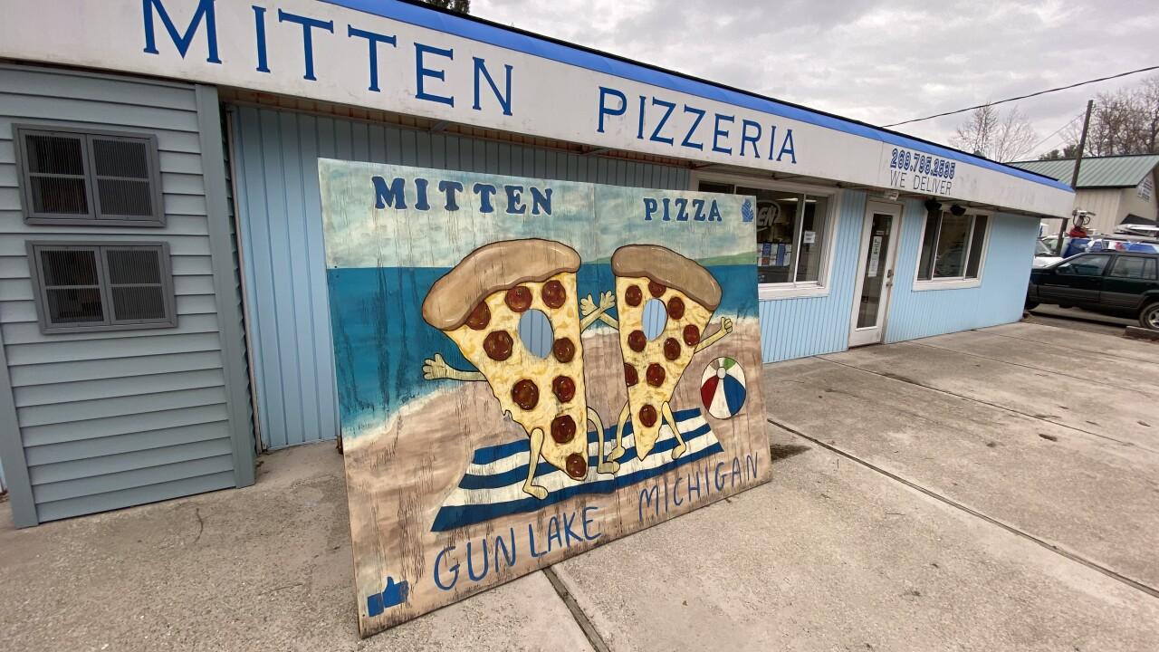 Mitten Pizza Front Exterior
