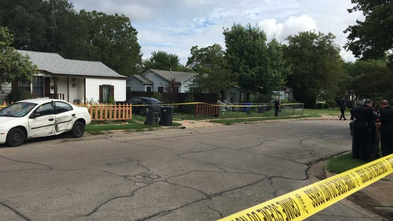 Police identify two victims in shooting, still looking for suspects