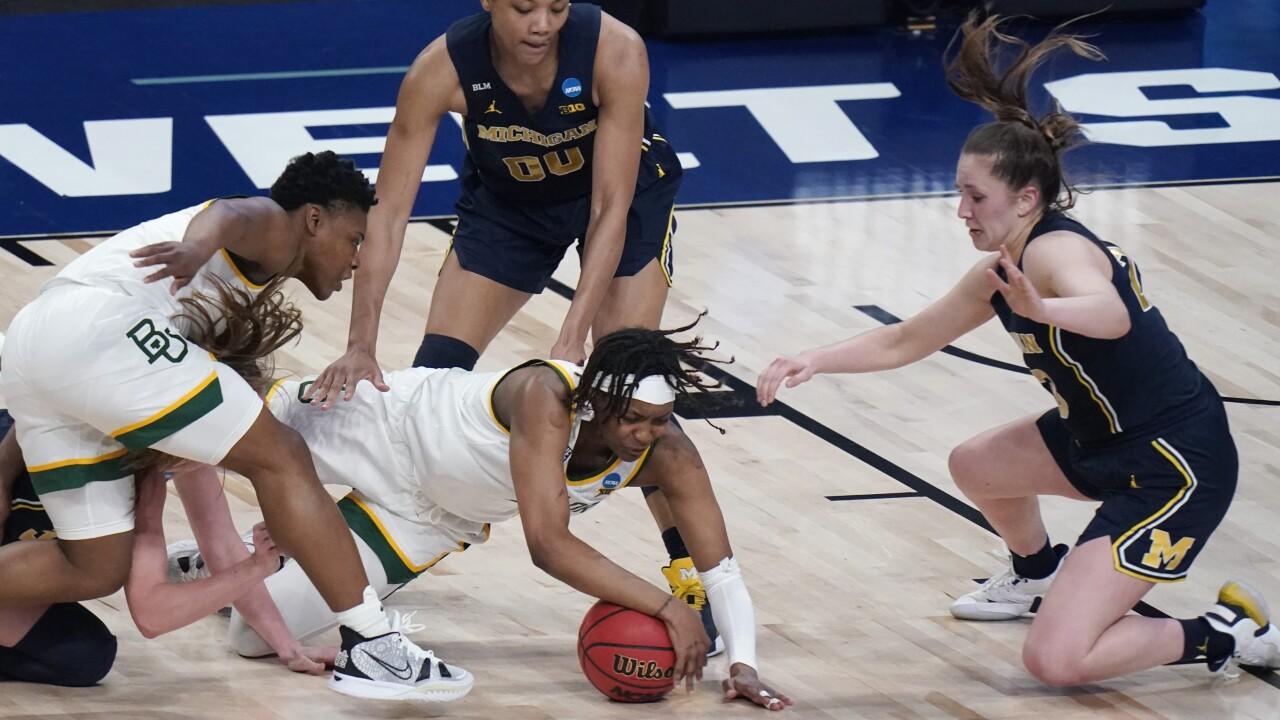 NaLyssa Smith, Danielle Rauch Michigan Baylor NCAA Basketball