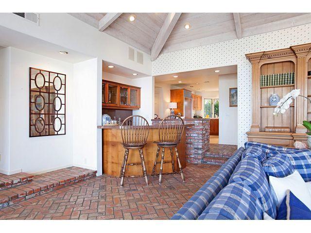 Classic La Jolla home has panoramic views