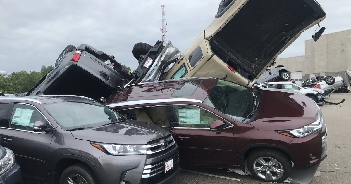 Chevrolet Dealers Kansas City >> Jefferson City Tornado Sends Cars At Chevrolet Toyota Dealership Flying