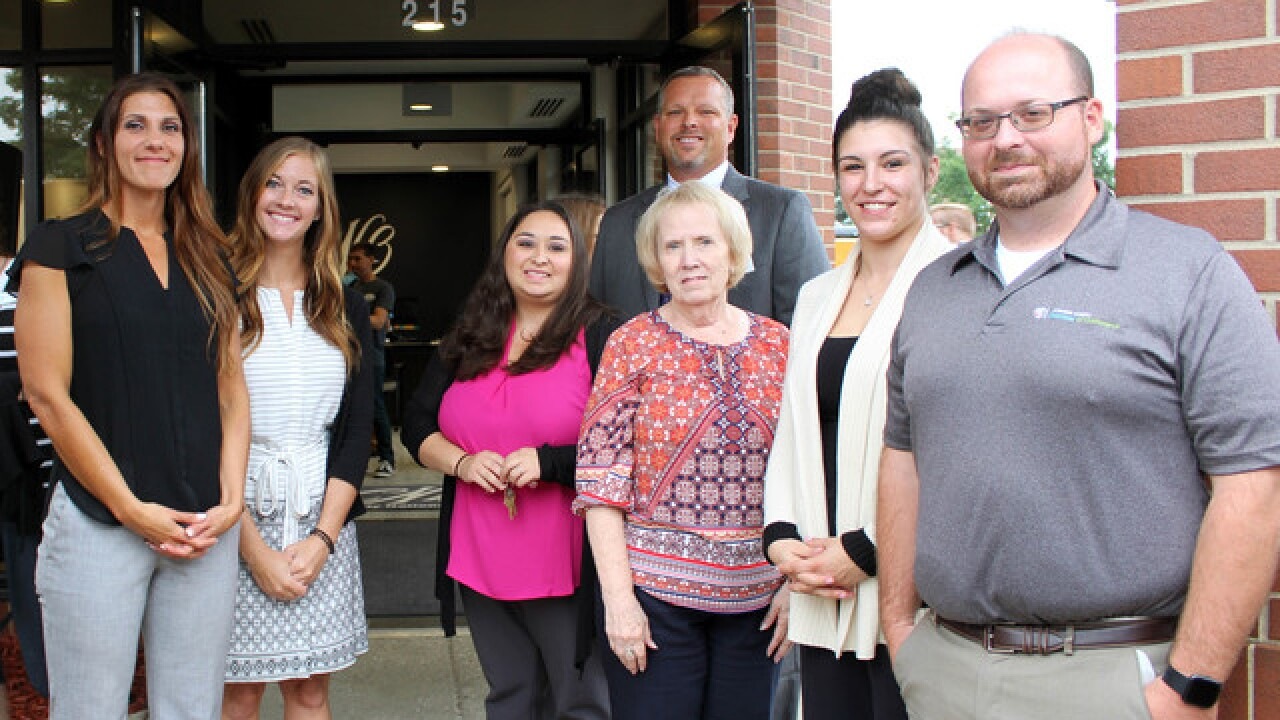 County National Bank Celebrates New Office...