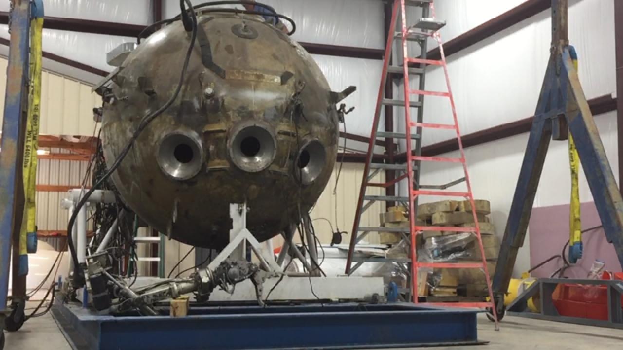 Kansas man rebuilds a deep-sea submarine