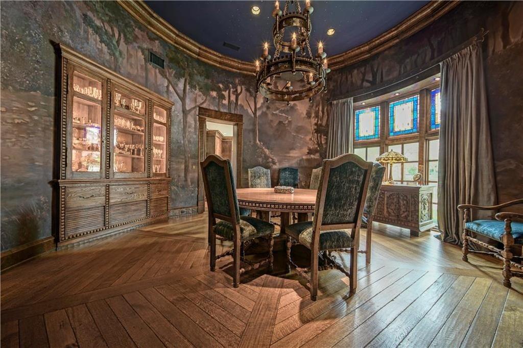 weatherby lake mansion 16
