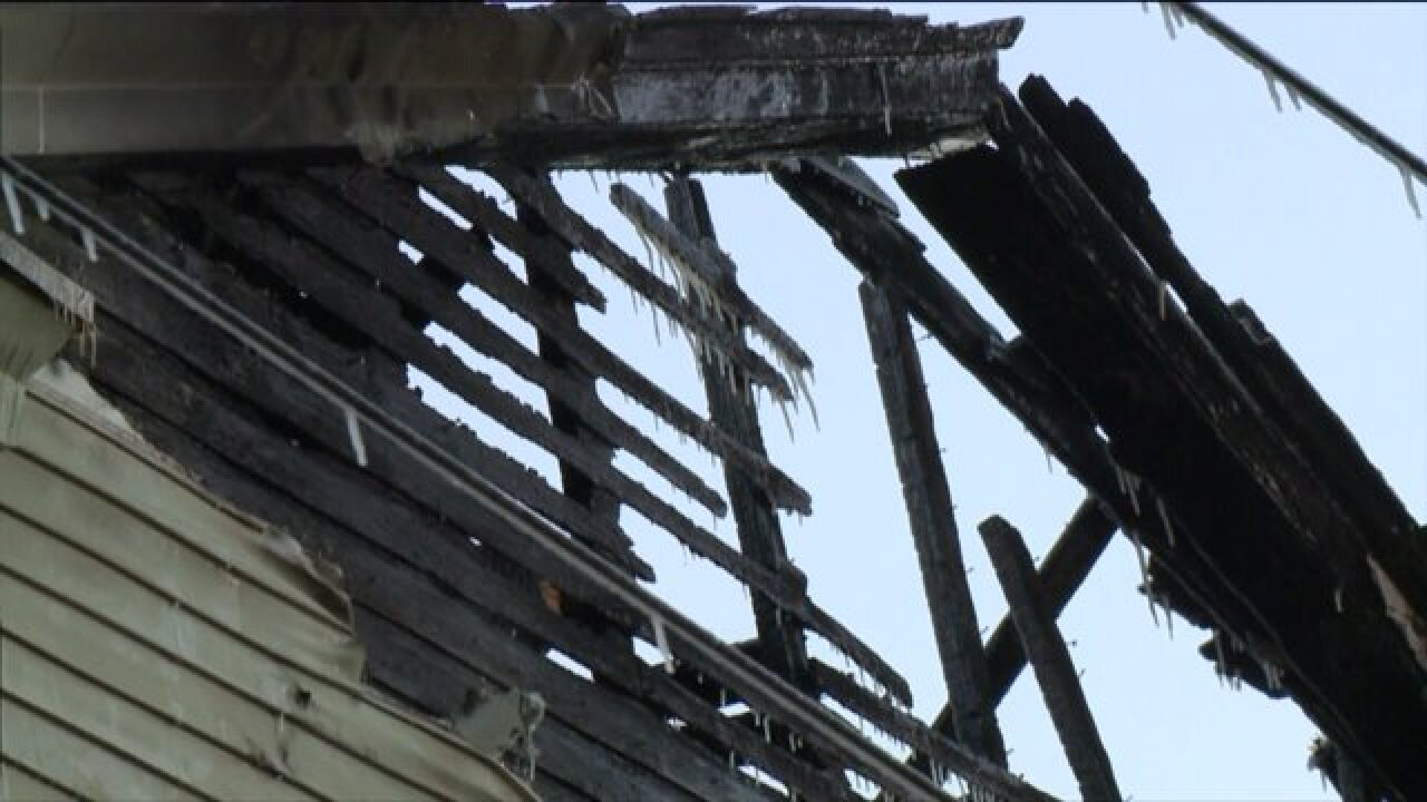 UPDATE: Two firefighters hurt in Portsmouth housefire