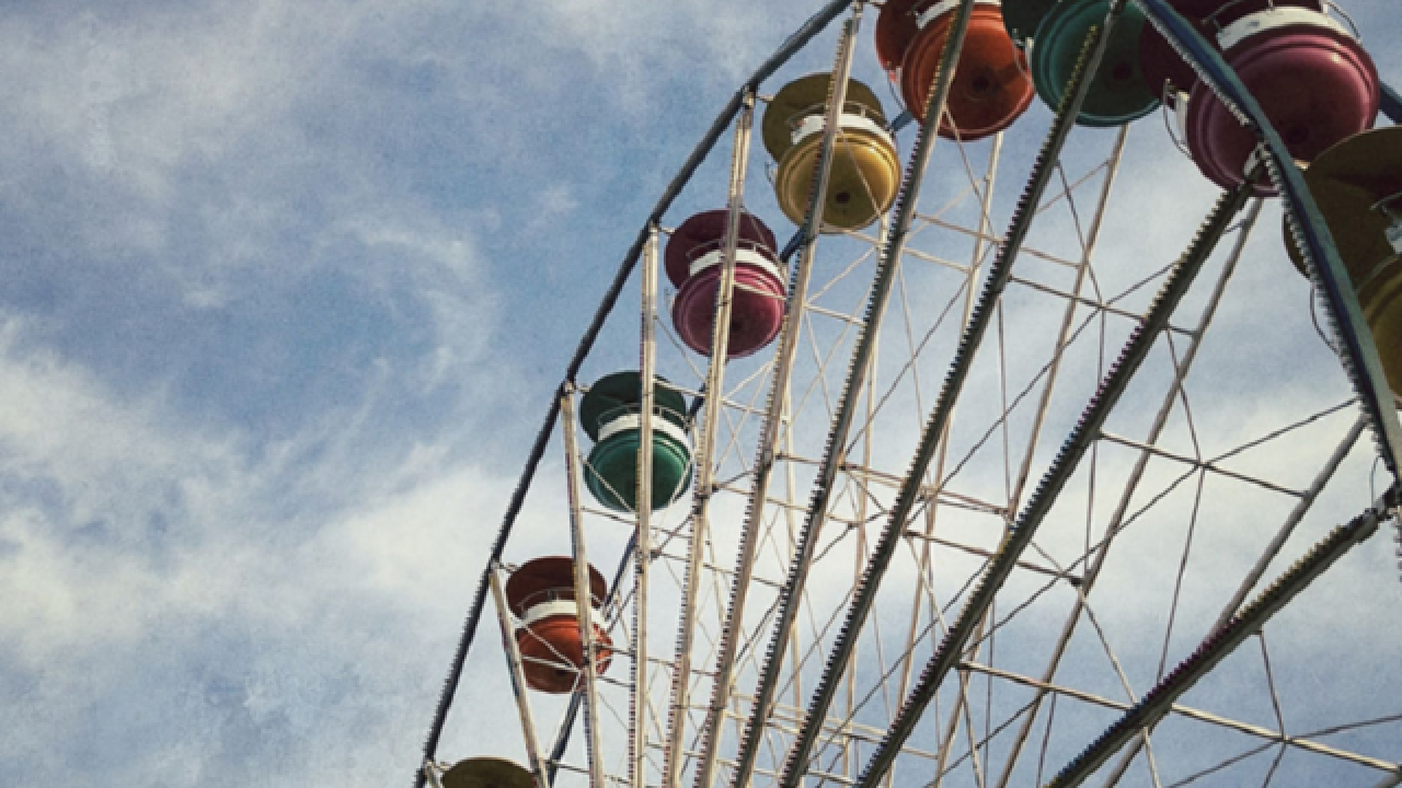3 girls fall from Ferris wheel at Tennessee fair