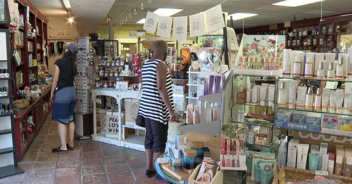 St. Pete encourages everyone to shop and dine local as pandemic impacts linger