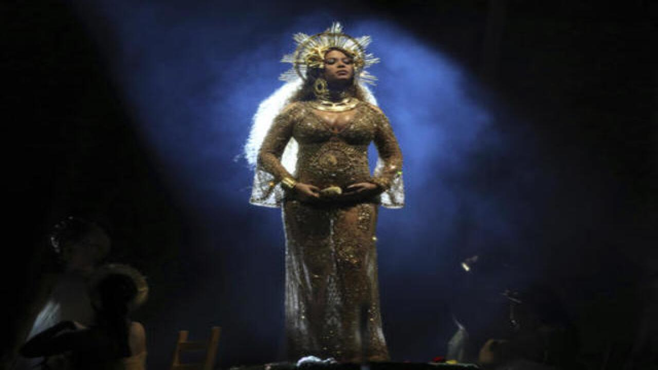 Beyonce out of Coachella, to perform in 2018