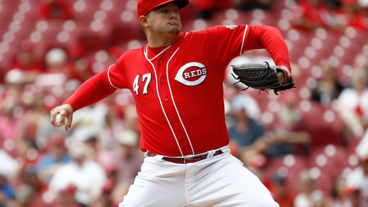 Mets bat out of turn, Reds rally for 2-1 win in 10th