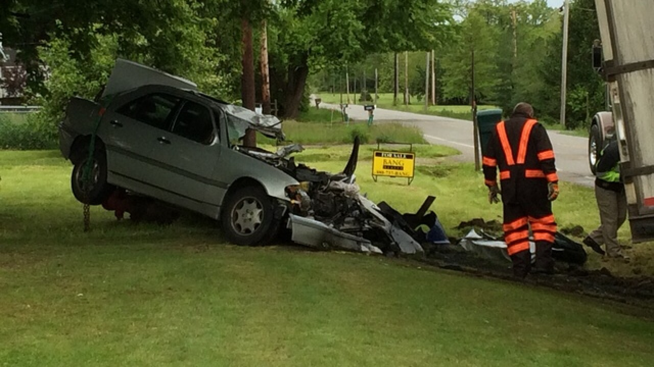 Fatal crash closes SR 741 in Warren County