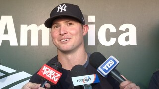 Zach Britton back in Baltimore with Yankees
