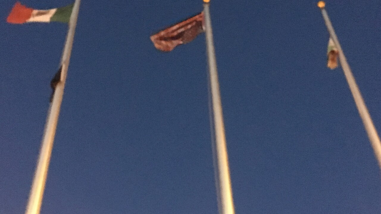 Protestors at Colorado ICE detention center take down American flag, raise Mexican flag