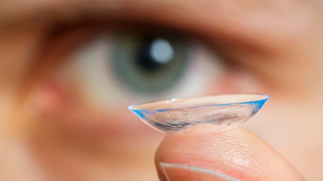 CDC issues warning on contact lenses